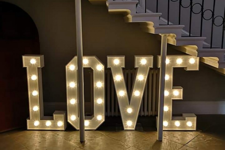 South Yorkshire Wedding Decor, Styling & Prop Hire - White Love