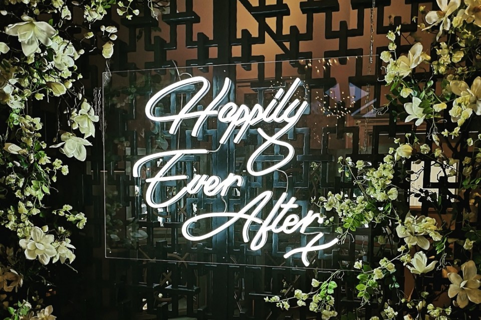 Newbury Wedding Decor, Styling - Prop Hire. - White Neon 'Happily Ever After'