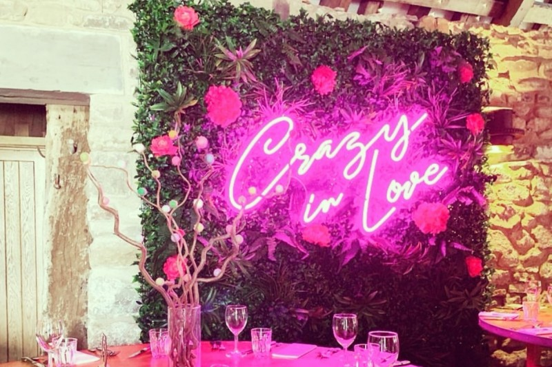 Neon Wedding Signs for hire